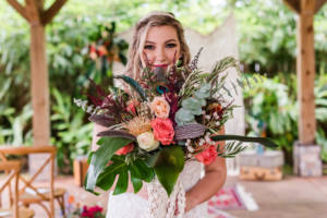 smile_bouquet_photo_bride