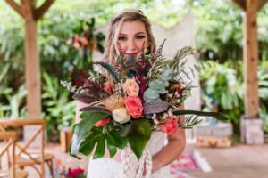 smile_bouquet_photo_bride