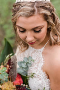makeup_bridal_lace_feathers